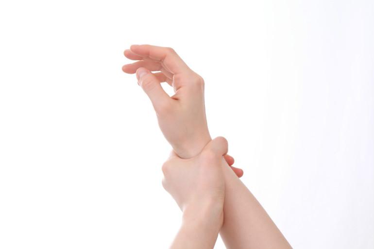 後 手術 バネ 指